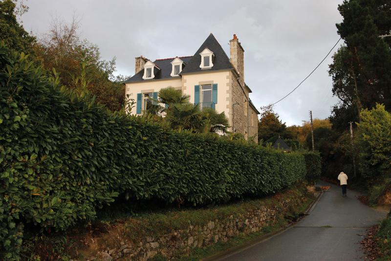 Kerflandry, la maison de Georges Brassens est située au n°4 de la rue portant le nom de cet immense artiste.