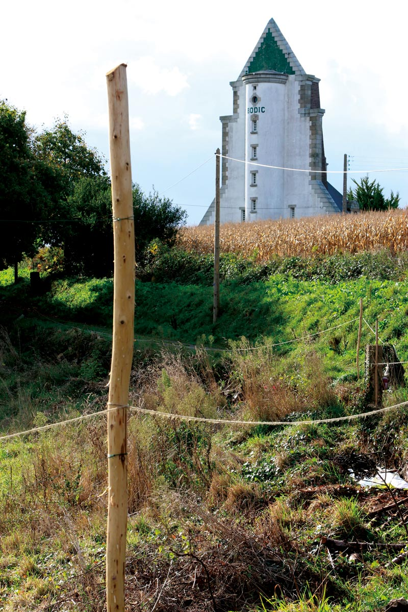 Le phare de Bodic était, encore occupé il y a peu par sa gardienne Marie-Claire.