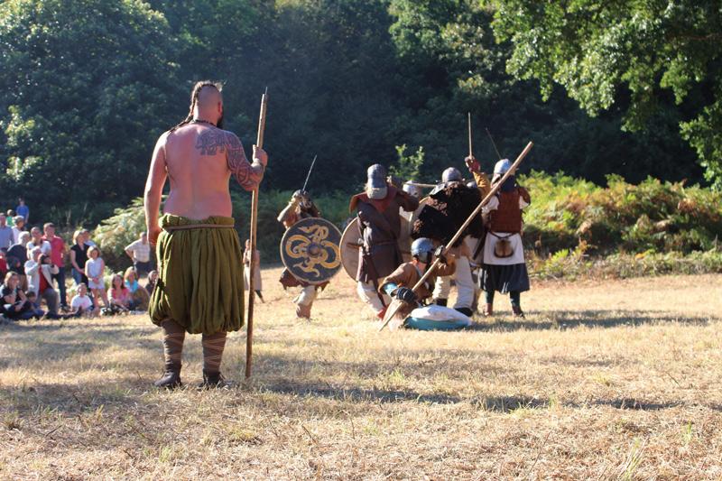 Reconstitution viking au camp lors des journées du Patrimoine.