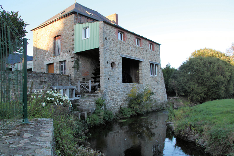 Le moulin de Pont Jacquelot situé à hauteur de Plaine-Haute.